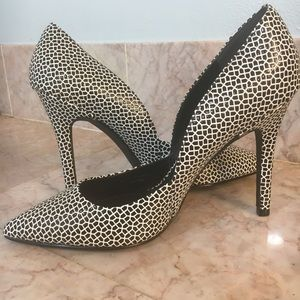 CHARLES by Charles David Black and White Pumps